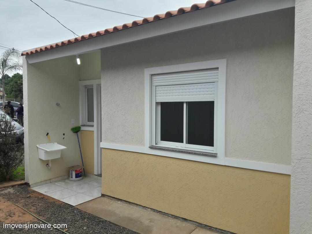 Casa/Sobrado/Condomínio em Cachoeirinha no Bairro Jardim do Lago