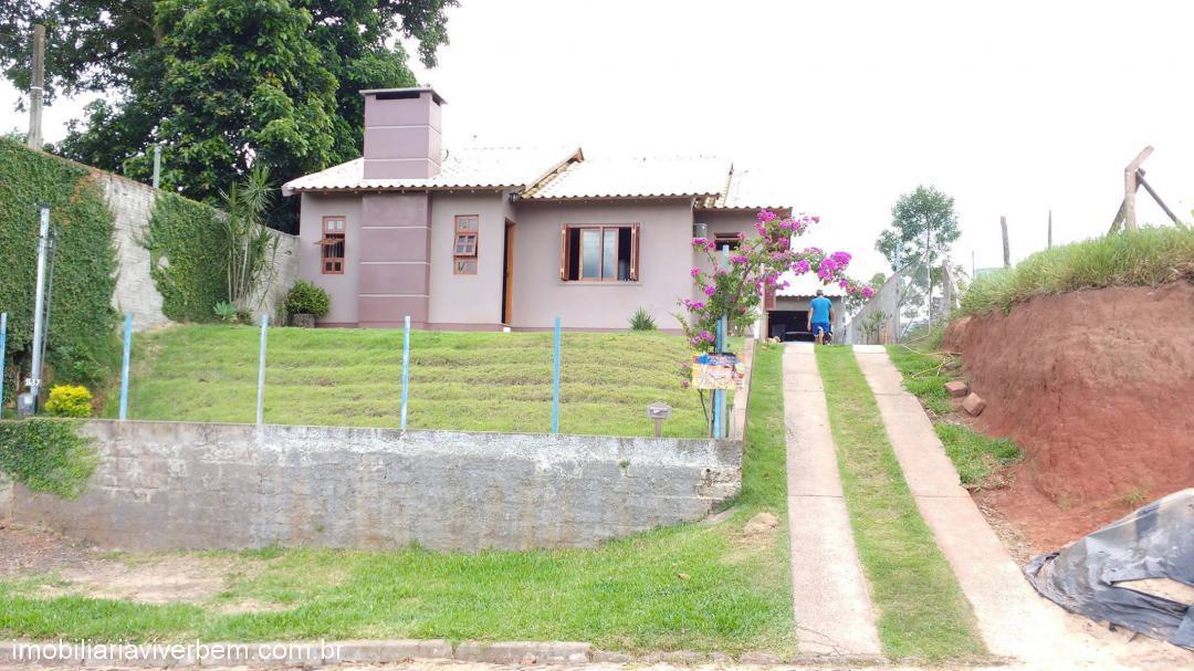 Casa Residencial em Portão no Bairro San Ciro